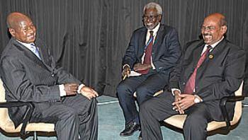 File photo showing Ugandan President Yoweri Museveni (left) meeting with Sudanese President Omer Al-Bashir (right) (Ugandan Embassy Website)