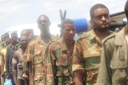 SAF prisoners of war at Juba airport (GoSS)