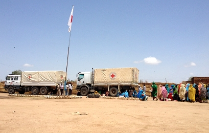 ICRC trucks arrive carrying food, seeds and farming tools to be distributed to families in and around Jebel Marra (Photo: ICRC)