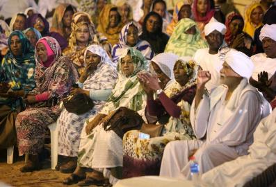 Members of Sudan's opposition parties and civil society groups attend on a meeting in Khartoum's twin city of Omdurman on 4 February 2015, in which they launched a campaign to boycott the presidential election (Photo: AFP/Ashraf Shazly)