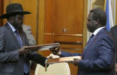 South Sudan's president, Salva Kiir, and rebel leader Riek Machar signed a peace deal in the Ethiopian capital, Addis Ababa, on 9 May 2014 aimed at resolving conflict in the country peacefully (Photo: Reuters)